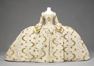 Photo of Mantua, 1755-60, England. Museum no. T.592:1-199. © Victoria and Albert Museum, London