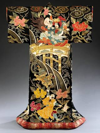 Photo of Kimono for the Kabuki theatre, 1870 – 1890, Japan. Museum no. FE.73-2014. © Victoria and Albert Museum, London