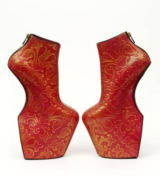Photo of Heel-less shoes, Noritaka Tatehana, 2014, Japan. Museum nos. FE.34:1-2015 to FE.34:2-2015. © Victoria and Albert Museum, London