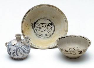 2006ag1453   examples of shipwrecked ceramics (640)