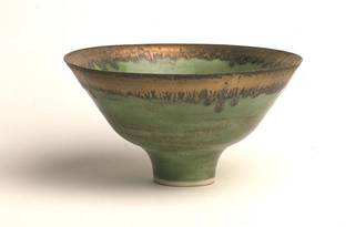 Bowl, Lucy Rie, about 1979, England. Museum no. C.44-1982. © Victoria and Albert Museum, London