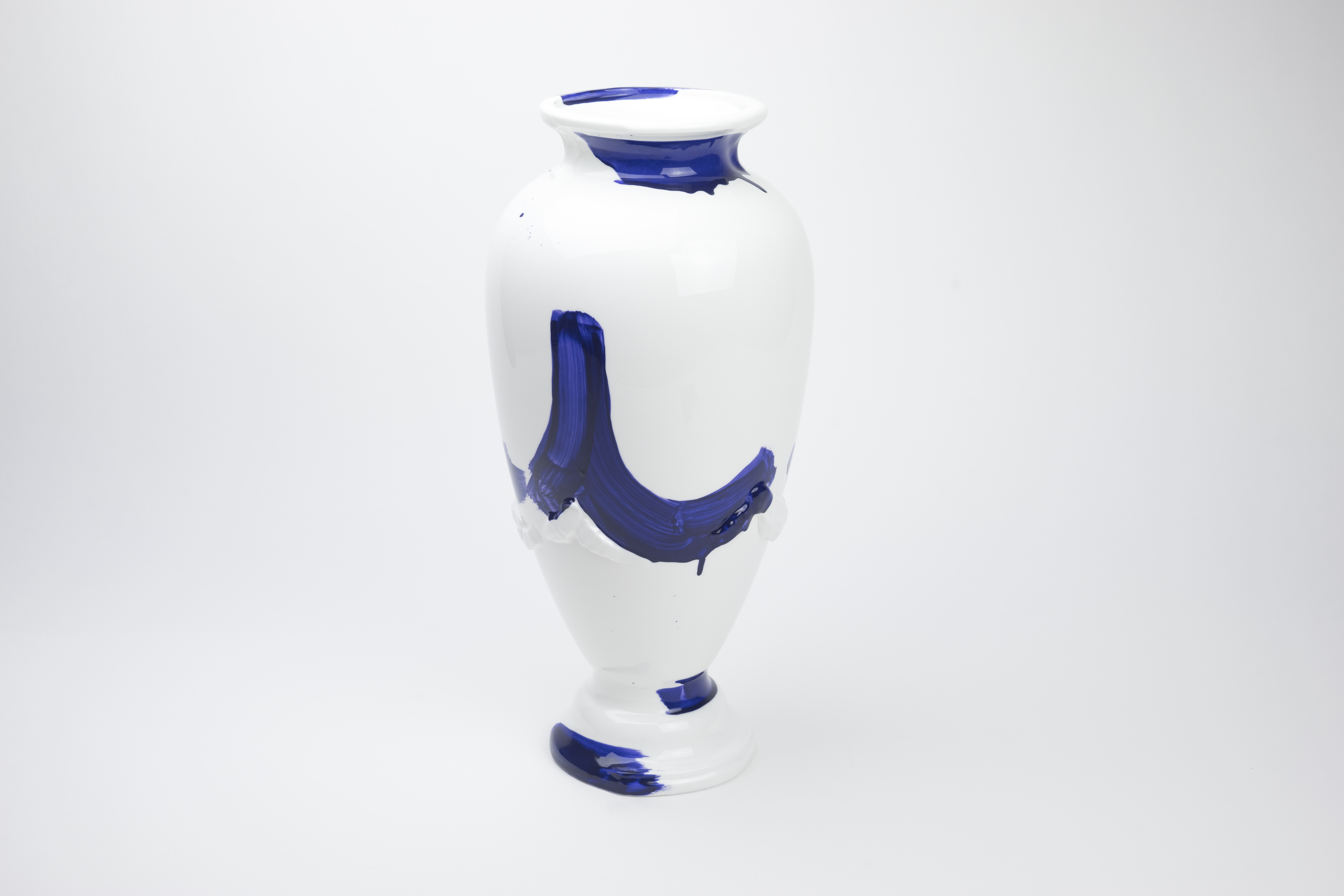 Tryst Vase by Amy Jayne Hughes for 1882 Ltd