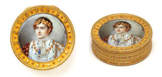 Snuffbox with a bust-length miniature of Napoleon Bonaparte, Jean-Baptiste Isabey, about 1812, possibly France. Museum no. Loan:Gilbert.456-2008. © The Rosalinde and Arthur Gilbert Collection on loan to the Victoria and Albert Museum, London