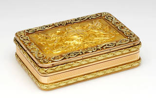 Gold Freedom box awarded in 1809 to Member of Parliament Gwyllim Lloyd Wardle by the City of London, marked 1808 – 9, Paul Strachan, London. Museum no. Loan:Gilbert.454-2008. © The Rosalinde and Arthur Gilbert Collection on loan to the Victoria and Albert Museum, London