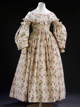 Wedding dress, 1841, England. Museum no. T.27-2006. © Victoria & Albert Museum, London