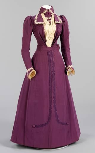 Wedding dress, Harriett Sams (née Joyce), 1899, England. Museum no. T.309&309A-1982. © Victoria & Albert Museum, London