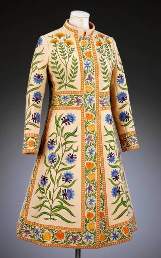 Wedding coat, Richard Cawley for Bellville Sassoon, 1970, London. Museum no. T.26-2006. © Victoria and Albert Museum, London