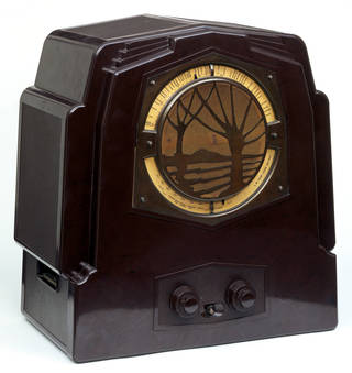 Photo of Wireless radio, designed by J. K. White, made by E. K. Cole Ltd, 1932, England. Museum no. CIRC.755-1966. © Victoria and Albert Museum, London