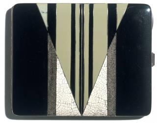 Cigarette case, Gérard Sandoz, about 1929, France. Museum no. CIRC.329-1972. © Victoria & Albert Museum, London