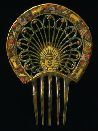 Photo of Hair comb, unknown maker, 1923, France. Museum no. T.119-1972. © Victoria and Albert Museum, London