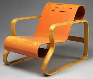 Photo of Paimio Armchair, designed by Alvar Aalto, manufactured by Huonekalu-ja Rakennustyötehdas Oy, 1930, Finland. Museum no. W.41-1987. © Victoria and Albert Museum, London