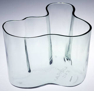 Photo of Savoy, vase, designed by Alvar Aalto, manufactured by Karhula, 1937, Finland. Museum no. C.226-1987. © Victoria and Albert Museum, London
