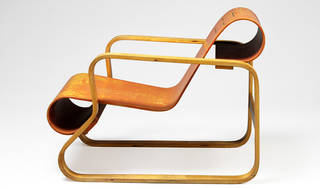 Paimio armchair, designed by Alvar Aalto, manufactured by Huonekalu-ja Rakennustyötehdas Oy, 1930, Finland. Museum no. CIRC.861-1968. © Victoria and Albert Museum, London