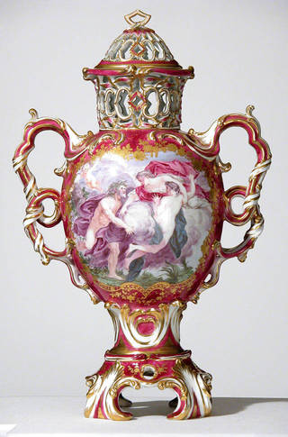 Garnitures: Vase sets from National Trust houses photo
