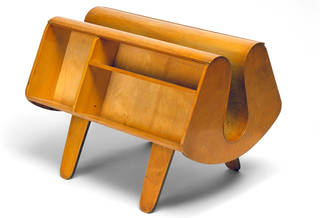 Penguin Donkey, bookcase, designed by Egon Riss, manufactured by Isokon Furniture Company, 1939, UK. Museum no. W.19:1 to 3-1993. © Victoria and Albert Museum, London