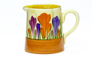 Crocus, cream jug, designed by Clarice Cliff, manufactured by Newport Pottery Co. Ltd, 1928, UK. Museum no. CIRC.674-1975. © Victoria and Albert Museum, London
