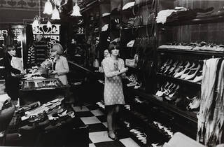 Interior of the Biba store, Kensington High Street, 1960s. Photograph by Philip Townsend. Museum no. E.3674-2007 © Philip Townsend/Victoria and Albert Museum, London