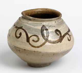 Photo of Jar, 1400 – 1600, Korea. Museum no. FE.33-2008. © Victoria and Albert Museum, London