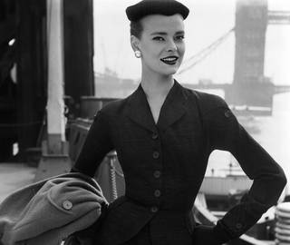 Masters of Modern Fashion: Worth to Westwood photo