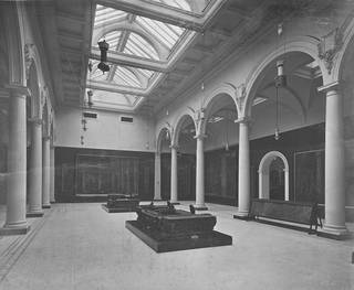 West Central Court as newly laid out, 1909. © Victoria and Albert Museum, London