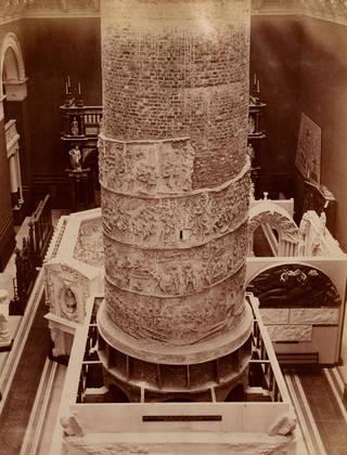 2011fc4383 erecting the cast of trajans column 9876