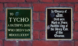 Plaques commemorating Jim and Tycho in the John Madejski garden. © Victoria and Albert Museum, London