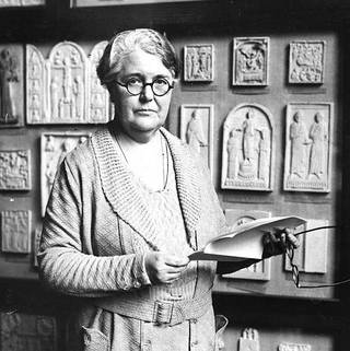 Margaret Longhurst, Keeper of Architecture & Sculpture, 1938. © Victoria and Albert Museum, London