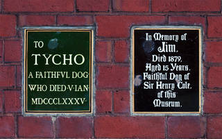 Plaques commemorating Henry Cole's Dogs Jim & Tycho, John Madejeski Garden. © Victoria and Albert Museum, London