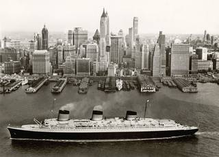 The Normandie in New York, 1935 – 9.  © Collection French Lines