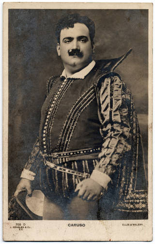 Enrico Caruso as Raoul de Nangis in Meyerbeer's opera Les Huguenots, printed postcard, Ellis and Walery, about 1905. © Victoria and Albert Museum, London