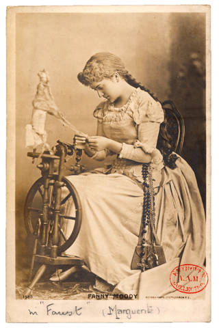 Postcard of Fanny Moody, late 19th century. © Victoria and Albert Museum, London