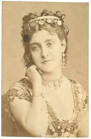 Adelina Patti as Esmeralda in Campana's opera Esmeralda, photograph, 19th century. Museum no. S.138:357-2007. © Victoria and Albert Museum, London