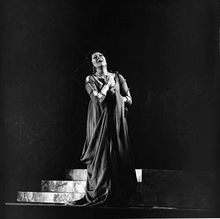 Photograph of Janet Baker as Vitellia in Mozart's opera La Clemenza di Tito at Royal Opera House, Covent Garden, 1974, England. © Victoria and Albert Museum, London