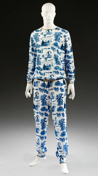 Photo of Tracksuit, SIBLING, 2012, England. Museum no. T.86:1, 2-2015. © Victoria and Albert Museum, London