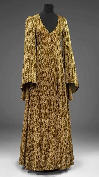 Photo of Evening coat, Biba, 1970, England. Museum no. T.202&A-1984. © Victoria and Albert Museum, London