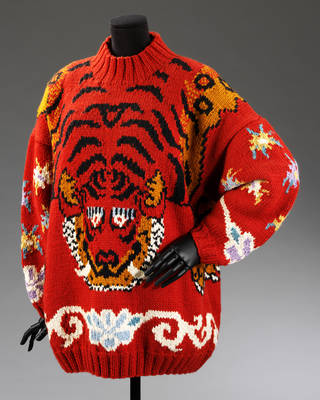Jumper, Martin Kidman for Joseph, about 1985, Britain. Museum no. T.90-2009. © Victoria and Albert Museum, London