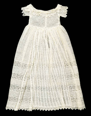 Baby's dress, Sarah Ann Cunliffe, 1851, Britain. Museum no. T.45-1964. © Victoria and Albert Museum, London