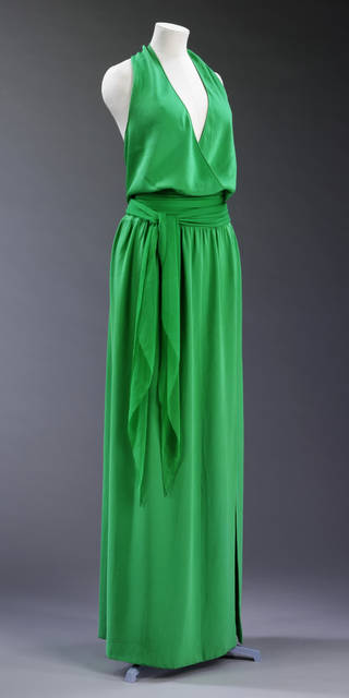 Evening dress, Halston, about 1975, US. Museum no. T.314-1989. © Victoria and Albert Museum, London