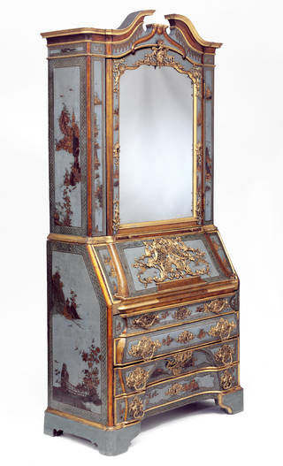Bureau-cabinet, japanning attributed to Christian Reinow, about 1745, Germany. Museum no. W.62-1979. © Victoria and Albert Museum, London