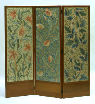 Photo of Screen, designed by John Henry Dearle, manufactured by Morris & Co., 1885 – 1910, England. Museum no. CIRC.848-1956. © Victoria and Albert Museum, London