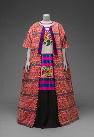 Va frida kahlo making her self up guatemalan cotton coat worn with mazatec huipil and plain floor length skirt museo frida kahlo diego rivera and frida kahlo archives banco de mxico solutioingenieria Images