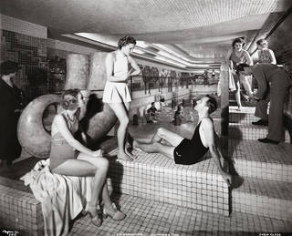 'Normandie' Swimming Pool, Cabin Class, 1935. © Arthur Vitols/Byron Company (New York, N.Y.)/Museum of the City of New York