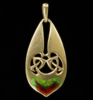 Pendant, designed by Archibald Knox, made by W. H. Haseler, about 1900, England. Museum no. M.30-1964. © Victoria and Albert Museum, London