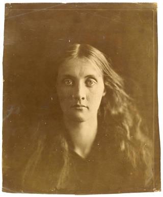 Julia Jackson, photograph, by Julia Margaret Cameron, 1867, England. Museum no. PH.361-1981. © Victoria and Albert Museum, London