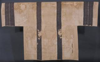 Linen with tapestry woven decoration in wool with a small amount of gold thread, 130 - 340 AD, Akhmim, Egypt. Museum no. 361-1887. © Victoria and Albert Museum, London