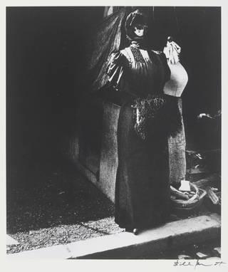 The Flea Market, photograph by Bill Brandt, 1929. © Bill Brandt Archive Ltd.
