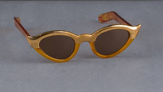 Sunglasses owned by Frida Kahlo, 1950s, USA. Photograph by Javier Hinojosa.  Diego Rivera and Frida Kahlo Archives, Banco de México, Fiduciary of the Trust of the Diego Rivera and Frida Kahlo Museums. Museo Frida Kahlo.