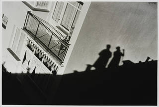 Frankfurt, Hellerhof Siedlung, mein Schatten mit Architekt, photograph by Ilse Bing, photographed 1930, printed 1980, Germany, gelatin-silver print. Museum no. E.3028-2004. © Victoria and Albert Museum, London/Estate of Ilse Bing, courtesy Michael Mattis