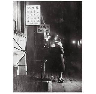 Woman in Hamburg, St Pauli District,  photograph by Bill Brandt, 1933. © Bill Brandt Archive Ltd./Victoria and Albert Museum, London