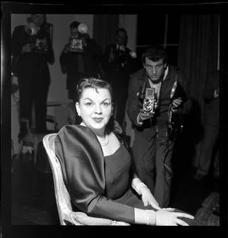 Photo of Judy Garland, photograph by Harry Hammond, 1959, England. Museum no. S.11550-2009. © Victoria and Albert Museum, London